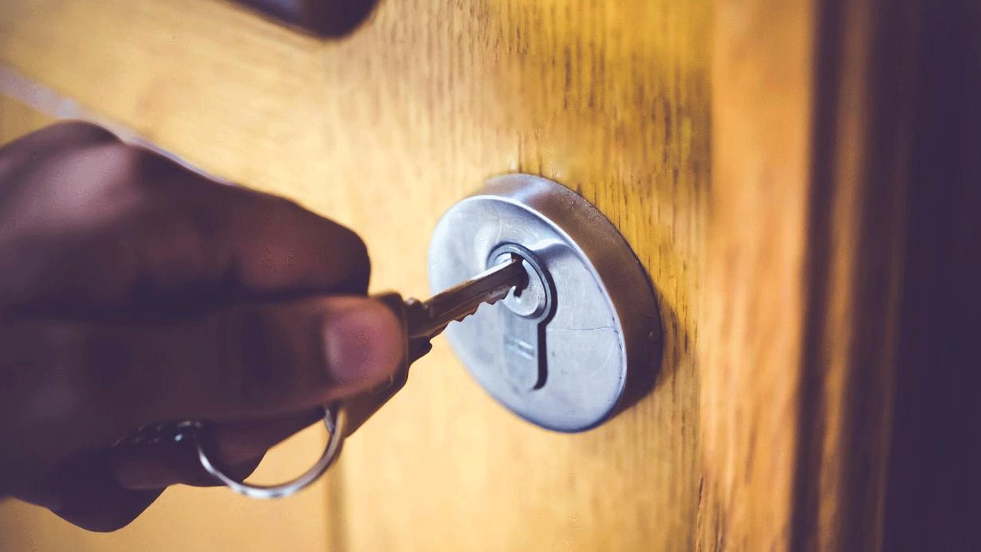 Untitled-1_0003_Door-locking-blog-post
